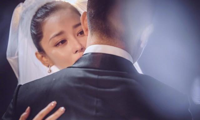 Lý Mạc Sầu Trương Hinh Dư kỷ niệm 2 năm ngày được ông xã cầu hôn-3