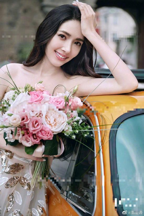 So kè nhan sắc những nàng dâu hào môn của làng giải trí Hoa ngữ-28
