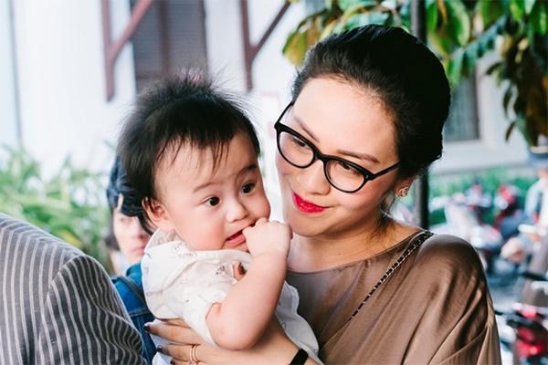 5 sao Việt sinh đôi: Người thuê 3 giúp việc, người lấy đại gia lại mất ngủ vì chăm con-6