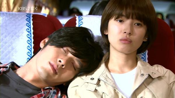 Loạt khoảnh khắc ngọt ngào giữa Song Hye Kyo - Hyun Bin sau 10 năm xem lại vẫn mê mẩn-12