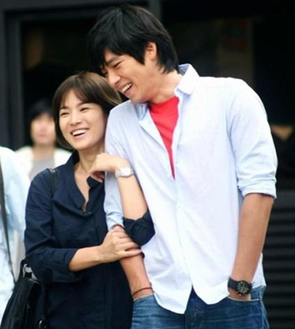 Loạt khoảnh khắc ngọt ngào giữa Song Hye Kyo - Hyun Bin sau 10 năm xem lại vẫn mê mẩn-16