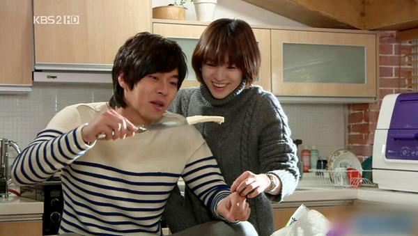 Loạt khoảnh khắc ngọt ngào giữa Song Hye Kyo - Hyun Bin sau 10 năm xem lại vẫn mê mẩn-17