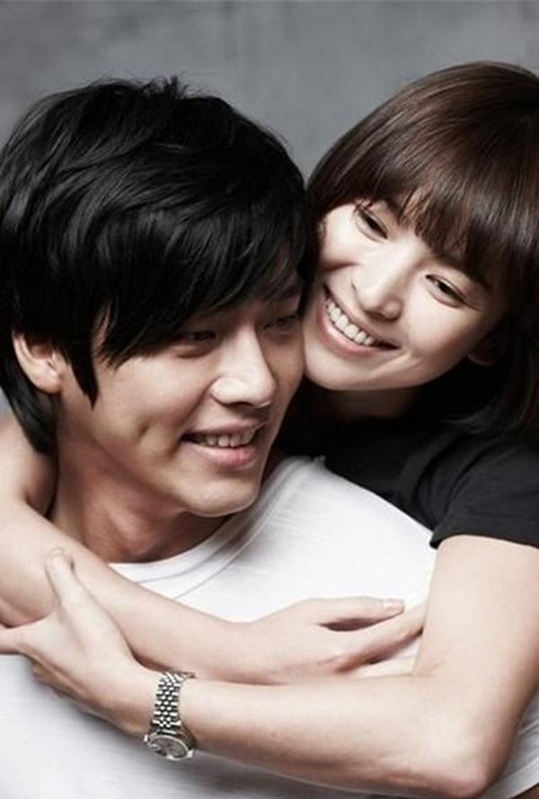 Loạt khoảnh khắc ngọt ngào giữa Song Hye Kyo - Hyun Bin sau 10 năm xem lại vẫn mê mẩn-21