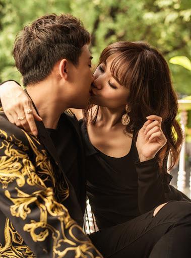 Hari Won nổi quạu khi bị Trấn Thành cưỡng hôn nơi đông người-8