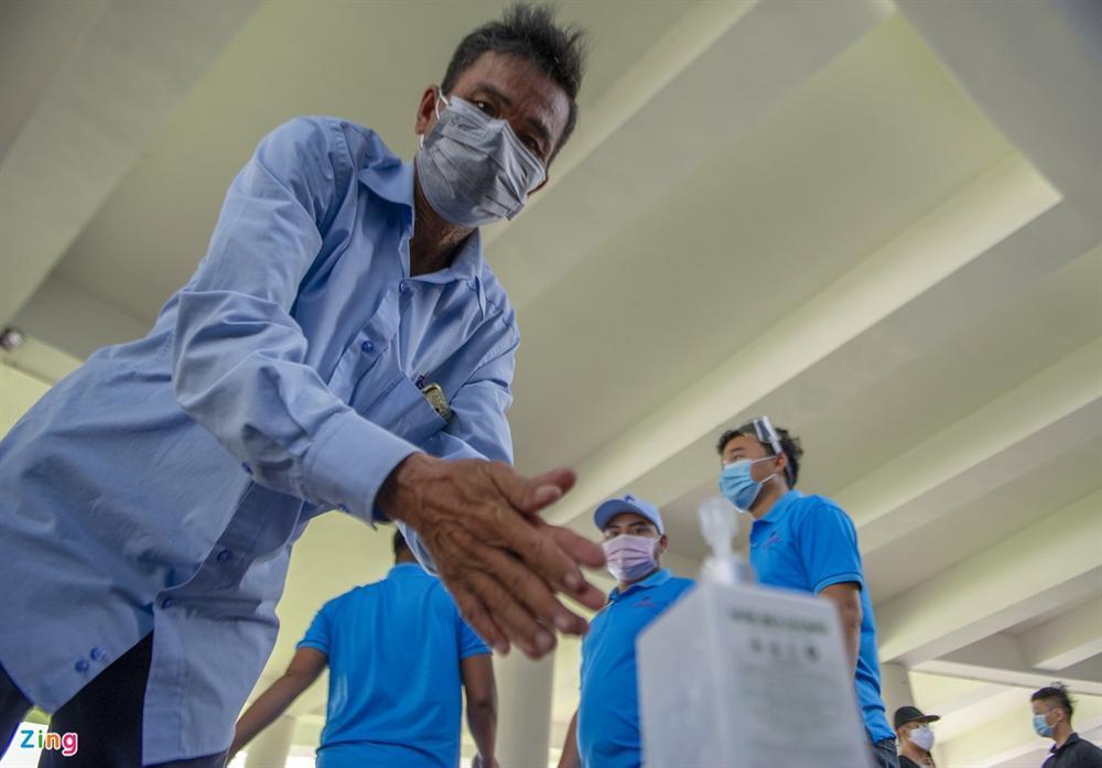 96 giờ thi công bệnh viện dã chiến 2.000 giường ở Đà Nẵng-6