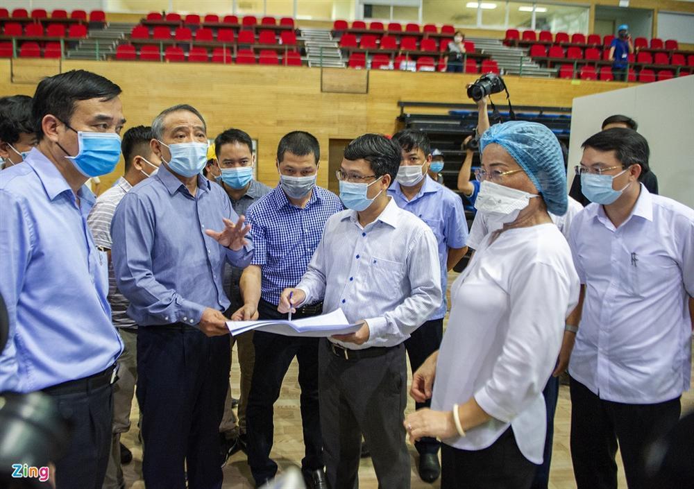 96 giờ thi công bệnh viện dã chiến 2.000 giường ở Đà Nẵng-8