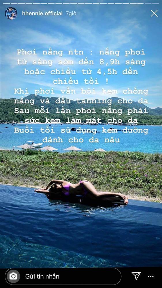 Bị chê vừa đen vừa xấu, HHen Niê quyết tâm tắm nắng cho đen thêm-13