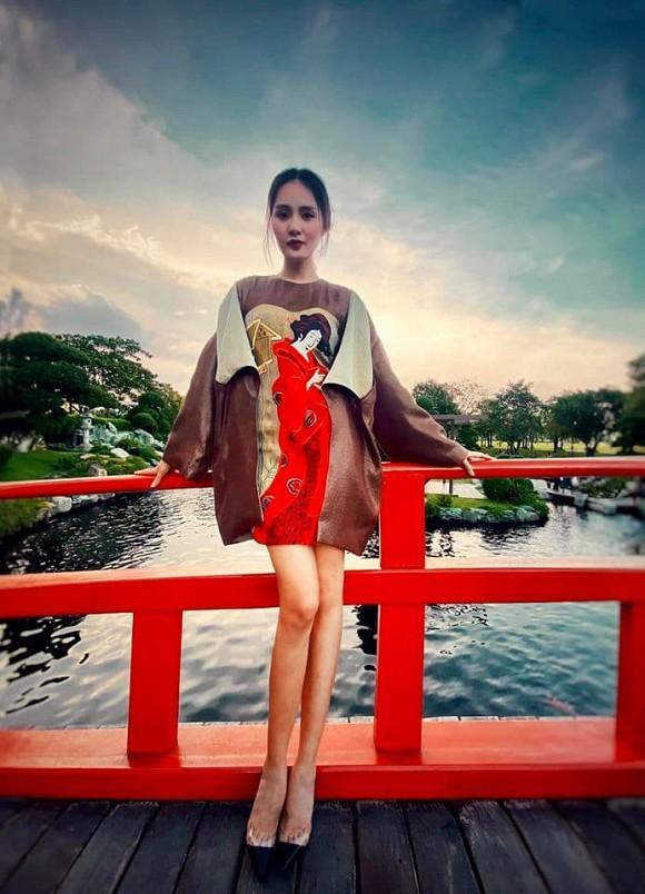 Hoa hậu đẹp nhất châu Á Hương Giang bất ngờ lộ rõ thân hình gầy tong teo, hốc hác-1
