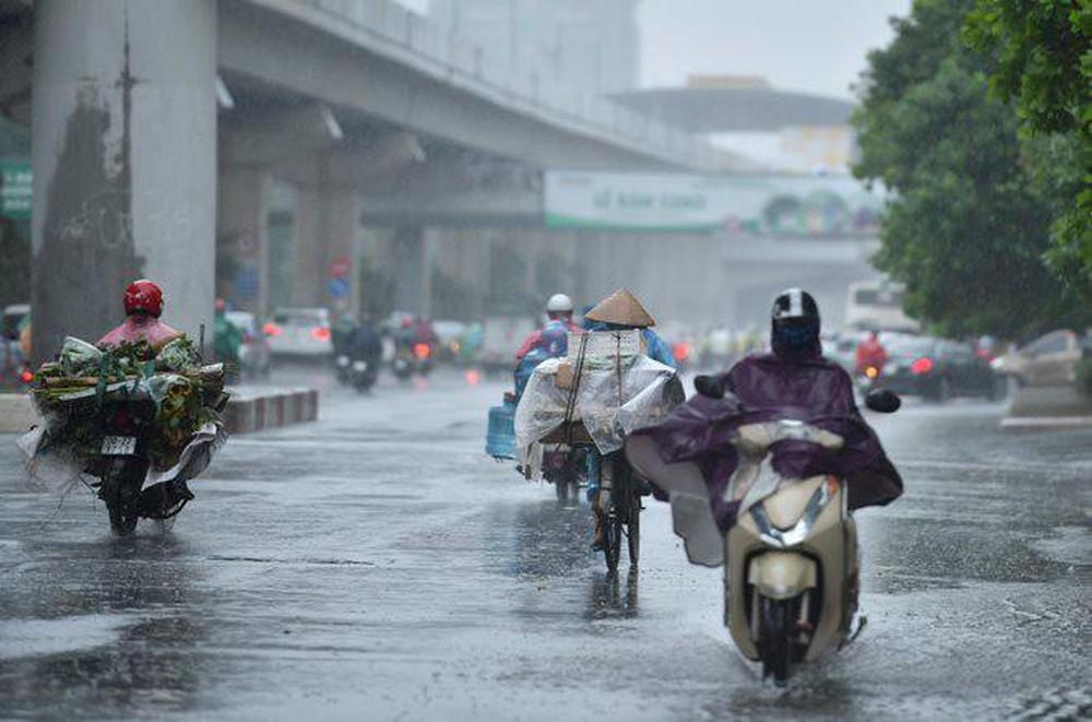 Bão vừa đi qua, miền Bắc lại đón mưa lớn kéo dài suốt tuần-1