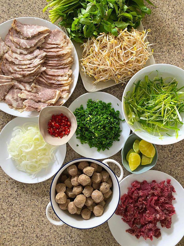 Tăng Thanh Hà miệt mài 20 tiếng nấu phở được khen nức nở, ngon hơn ăn hàng-3