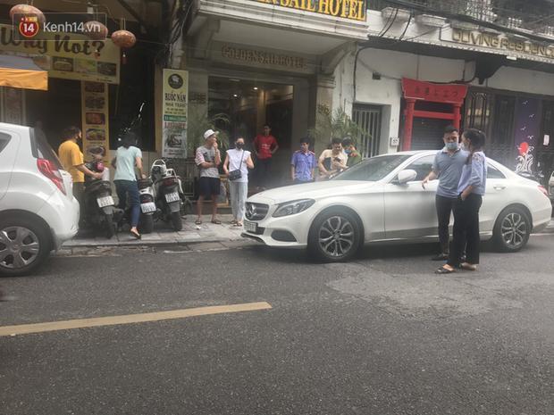 Lưu Đê Ly và antifan ẩu đả, giật tóc trên phố Hàng Buồm: Công an vào cuộc, nhân chứng tường trình-2