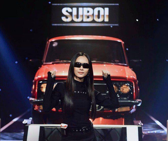 Choáng khi biết dàn siêu xe trong show Rap Việt là của vị đại gia vừa trẻ vừa đẹp này-1