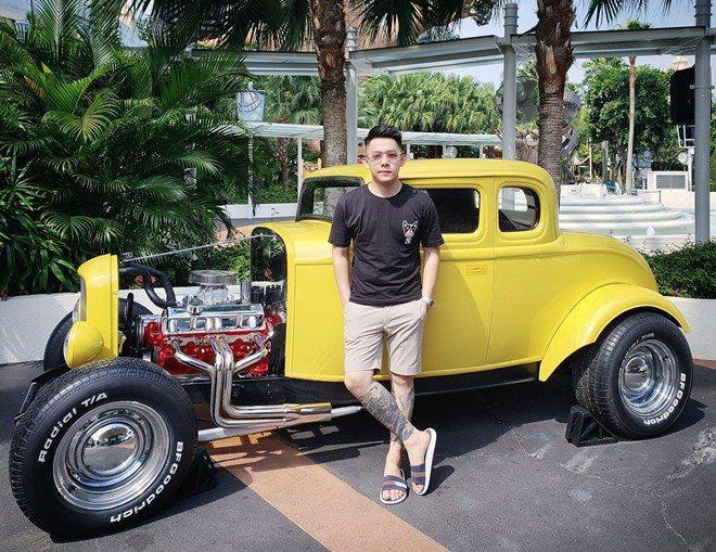 Choáng khi biết dàn siêu xe trong show Rap Việt là của vị đại gia vừa trẻ vừa đẹp này-8