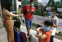 Thuê 2 chuyến bay đưa hơn 400 du khách rời Đà Nẵng