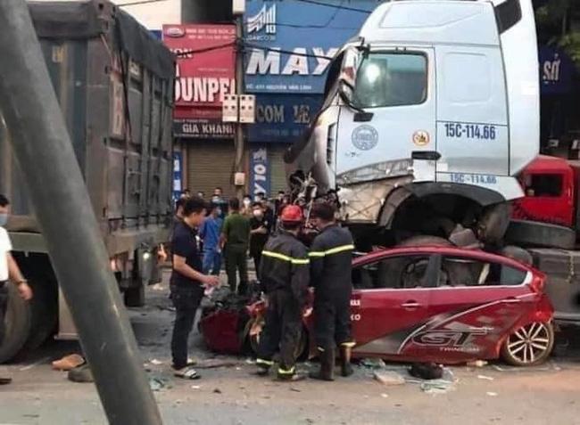 Vụ container đâm bẹp ô tô con, 3 người tử vong ở Hà Nội: Sức khỏe nữ nạn nhân sống sót duy nhất ra sao?-1