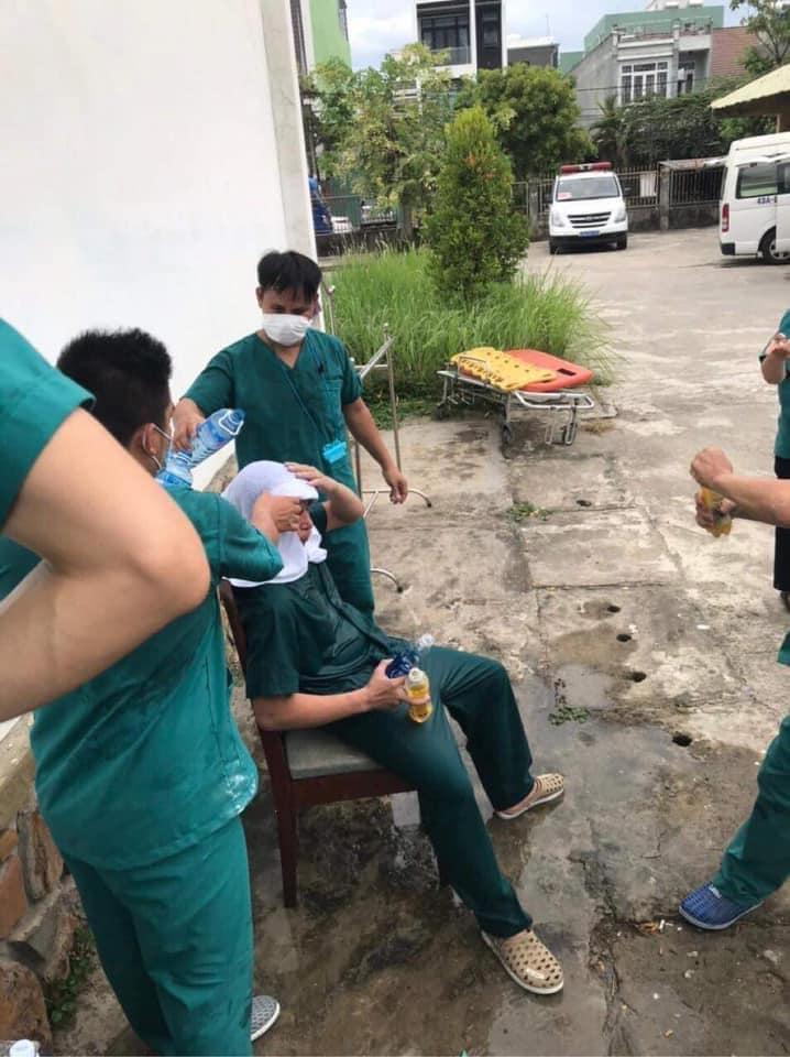 Ảnh bác sĩ Đà Nẵng làm việc kiệt sức chống Covid-19 nhận hơn 50k like-2