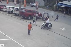 Truy tìm 2 kẻ cướp dùng bình hơi cay tấn công người dân ở TP HCM