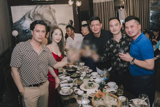 Tụ tập đám bạn thân, Quỳnh Nga và Việt Anh bị chê lên chê xuống vì xuống mã-3