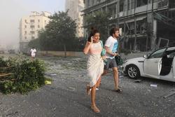 Khoảnh khắc 'như quả bom hẹn giờ' nổ tung khiến 100 người chết tại Liban