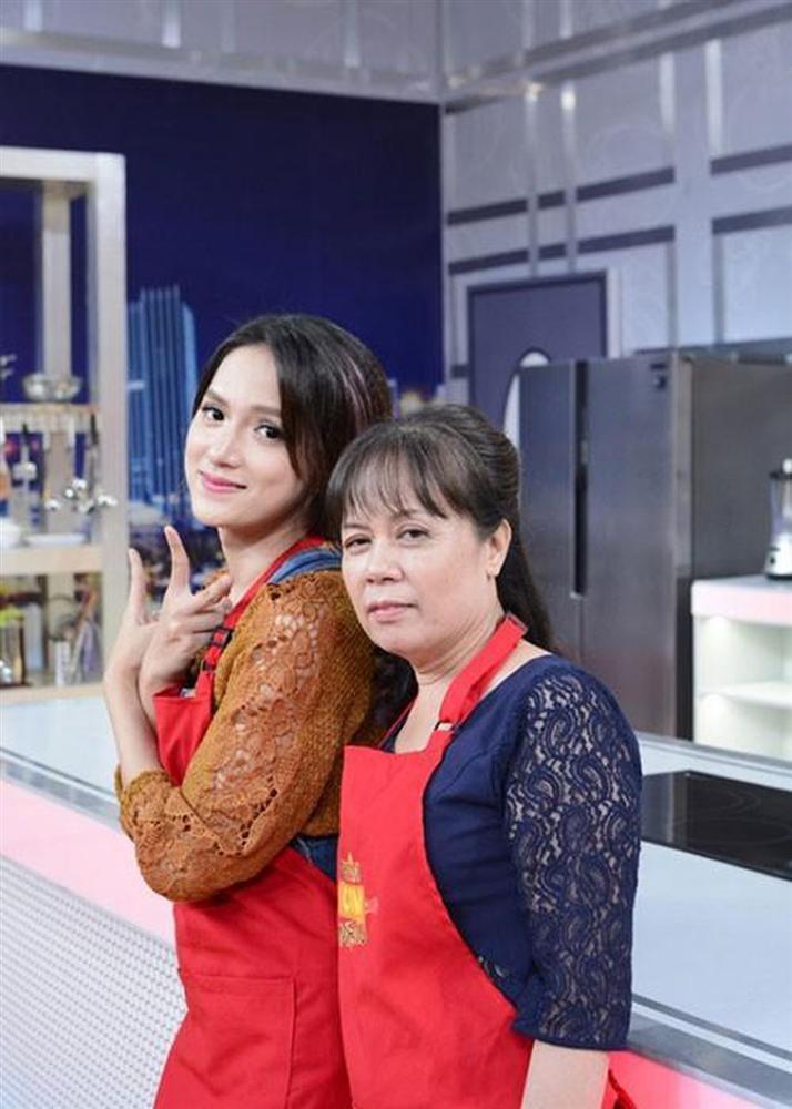 Trùm cuối Hương Giang gây bất ngờ với hình cosplay đẹp hơn cả mẹ-4