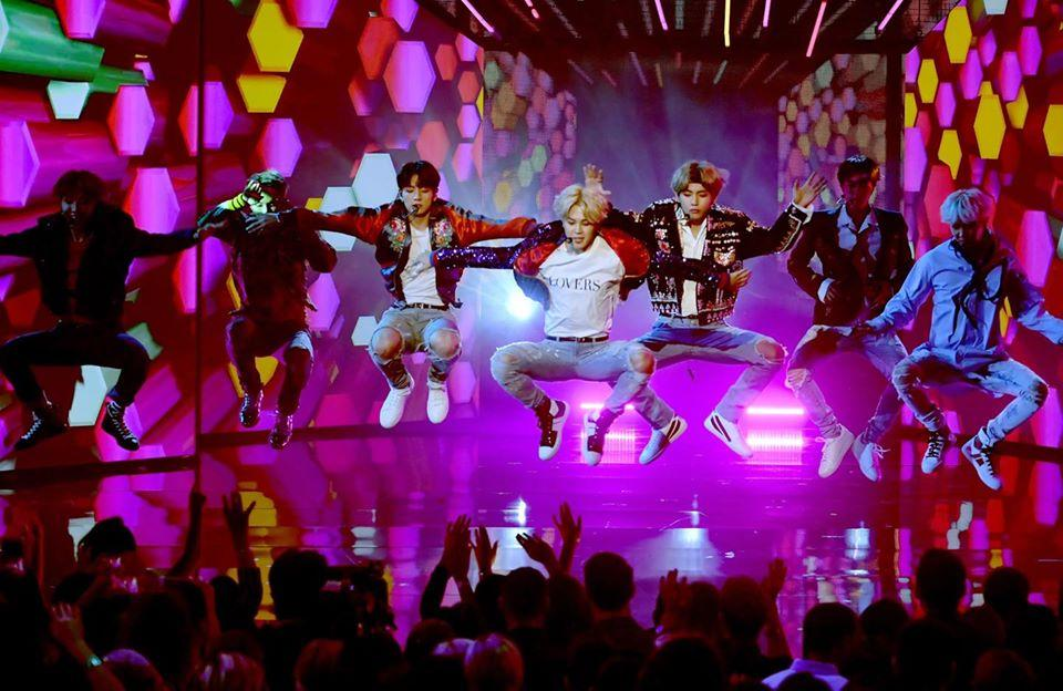 BTS là nghệ sĩ Kpop duy nhất biểu diễn tại 4 lễ trao giải lớn của Mỹ-2