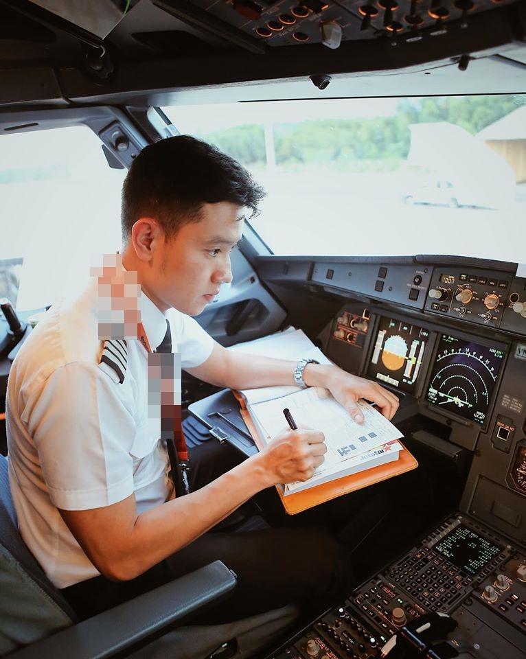 Cơ trưởng trẻ nhất Việt Nam công khai bảng lương nhìn là choáng-1