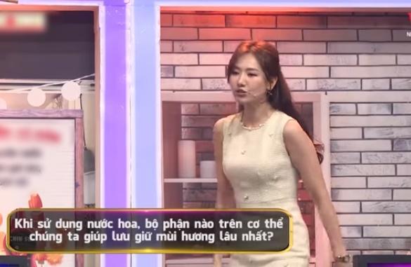 Trấn Thành bị Hari Won tố dùng nước hoa như tắm, Trường Giang ngồi cạnh ăn hủ tiếu trộn dầu thơm-2