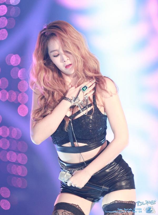 Jungkook BTS, Lee Hyori và những Idols sở hữu hình thể bốc lửa vạn người thèm-8