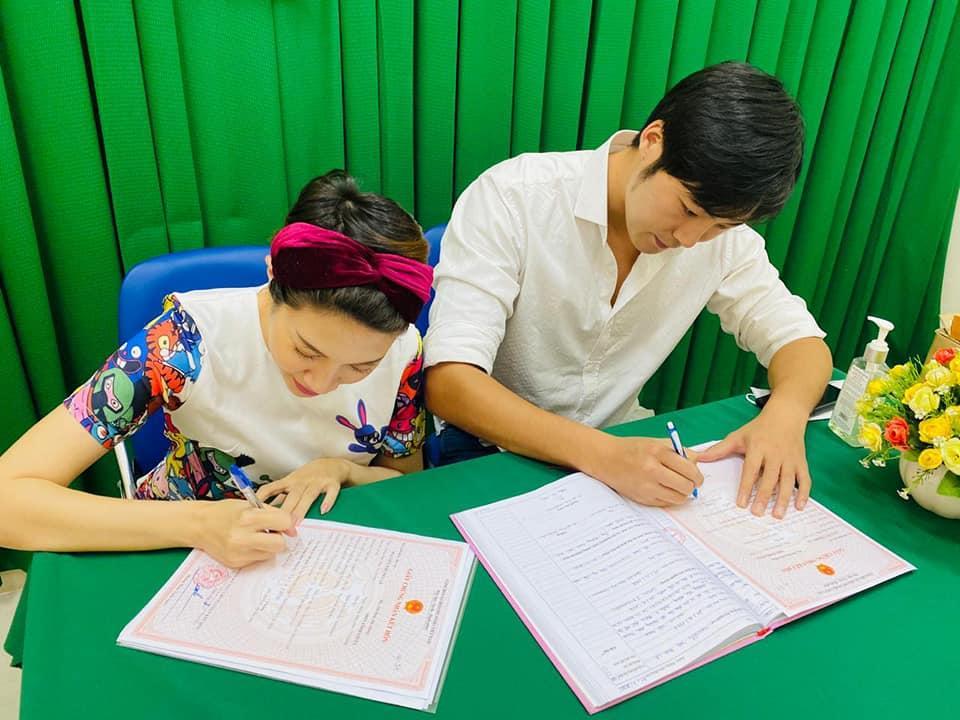 Pha Lê công bố giới tính con đầu lòng với chồng Hàn Quốc-3
