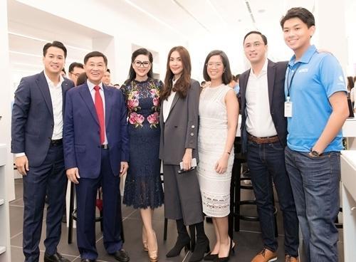 Hé lộ khả năng kiếm tiền của các thành viên nhà chồng Hà Tăng-1