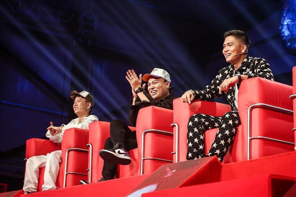 Cuộc chiến giờ vàng bất phân thắng bại của hai game show nhạc rap-1