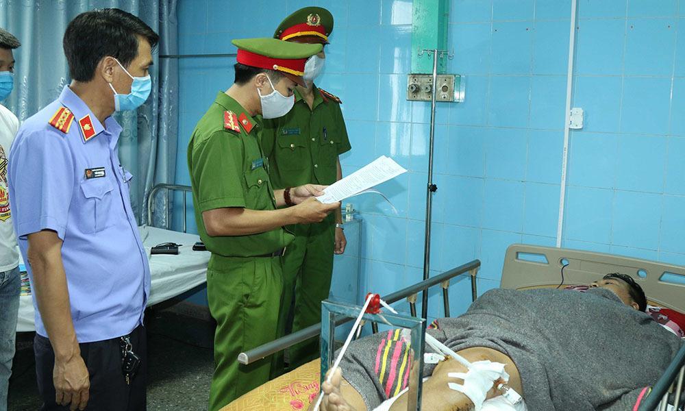 Khởi tố tài xế vụ lật xe khách khiến 15 người chết ở Quảng Bình-1