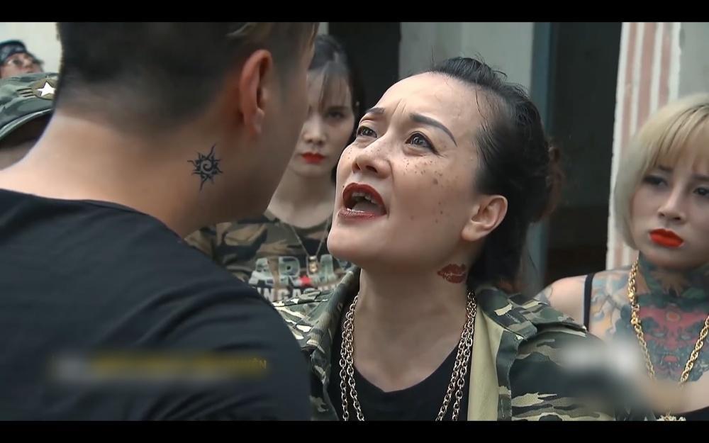 Cô gái bị Phú Lê truy sát từng vào vai gái giang hồ trong Người Phán Xử-5