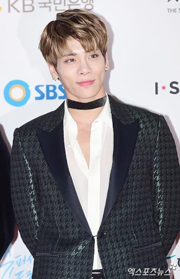 BIGBANG và loạt Idols có màn rẽ ngang thành công khi bon chen viết sách-5