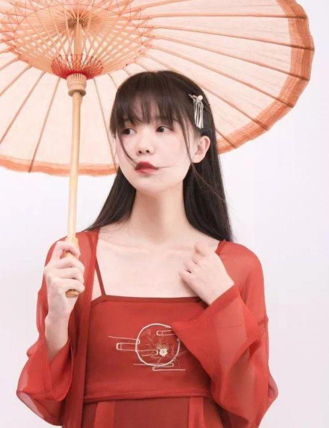 Hot girl cổ trang Trung Quốc lộ mặt thật già nua trên truyền hình-5