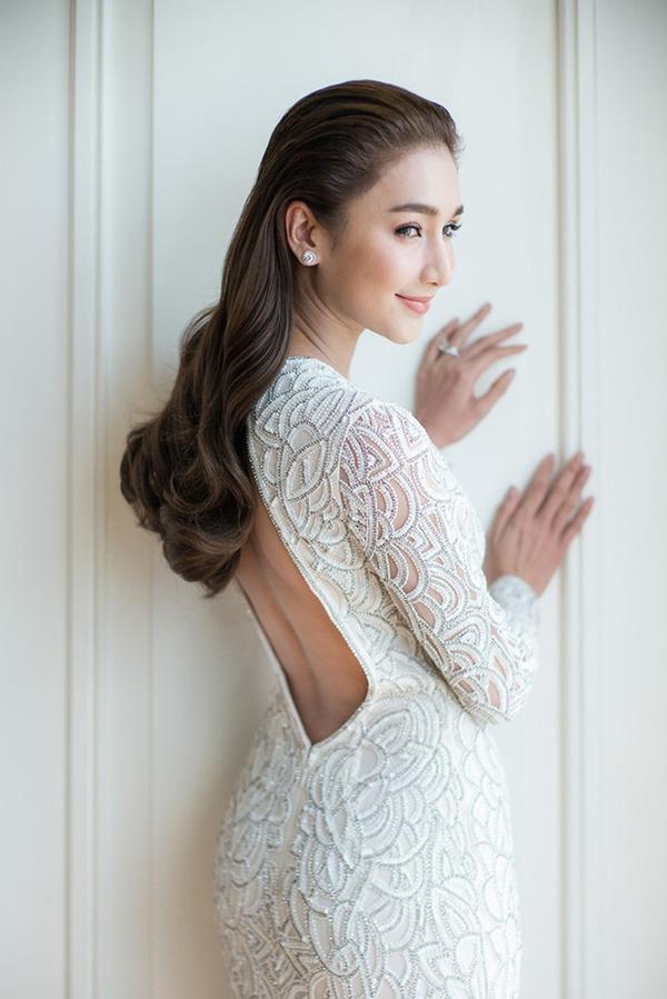 Ác nữ được quý nhất Thái Lan: Chồng tặng nhẫn 5 carat, đám cưới triệu đô, sống như bà hoàng-2