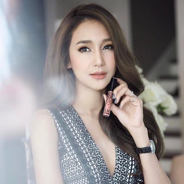 Ác nữ được quý nhất Thái Lan: Chồng tặng nhẫn 5 carat, đám cưới triệu đô, sống như bà hoàng-4