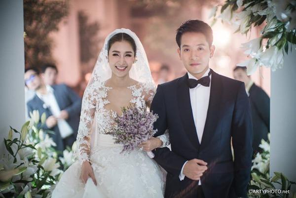 Ác nữ được quý nhất Thái Lan: Chồng tặng nhẫn 5 carat, đám cưới triệu đô, sống như bà hoàng-6