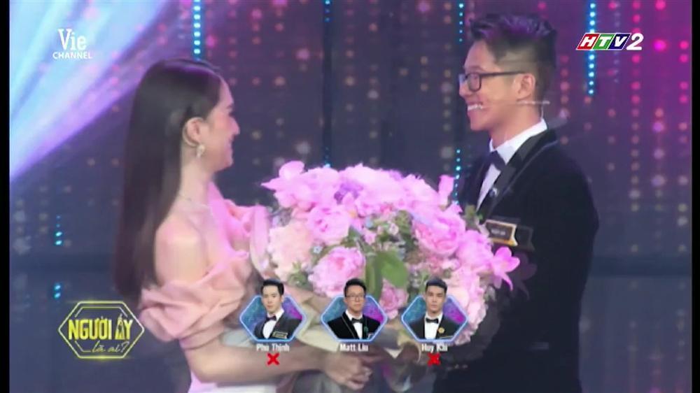HOT: Hương Giang trao hoa cho đại gia Matt Liu tại Người Ấy Là Ai như lời đồn-14