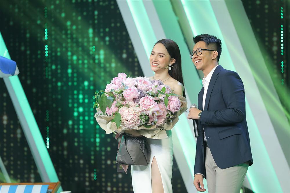 Hương Giang bén duyên đại gia Singapore Matt Liu, cả showbiz hân hoan chúc mừng-2