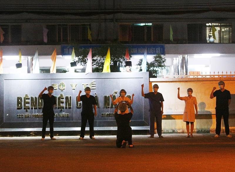 Bệnh viện C Đà Nẵng lúc 0h ngày 8/8 khi chính thức dỡ phong tỏa-5