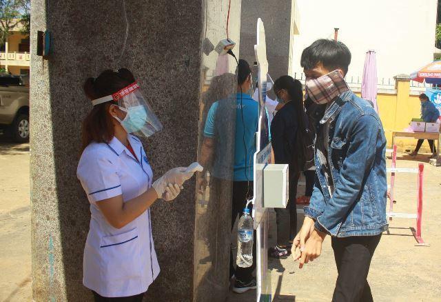 Dừng 1 điểm thi THPT tại Quảng Ngãi vì liên quan đến bệnh nhân 786-1
