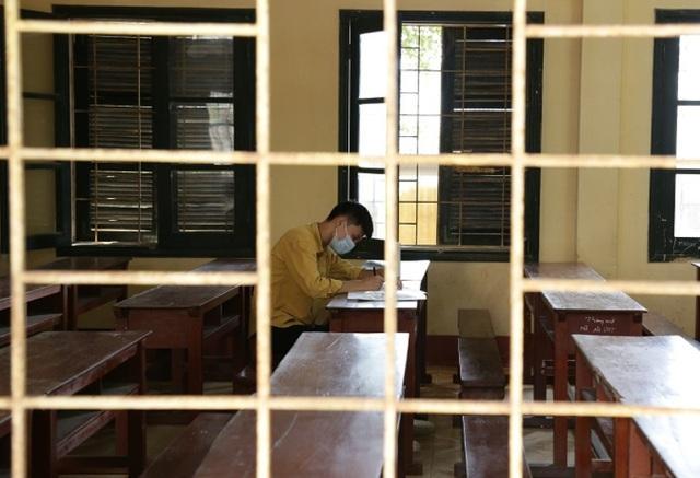 Thanh Hóa: Phòng thi dự phòng kích hoạt, duy nhất 1 thí sinh ngồi làm-2