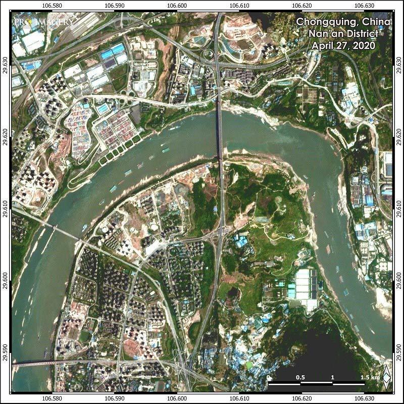 Hình ảnh loạt thành phố Trung Quốc ngập trong lũ, đập Tam Hiệp mở 6 cửa xả-3
