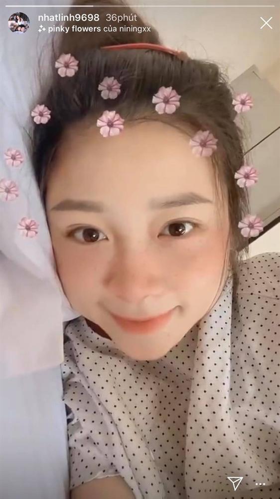 Nhan sắc bà xã Phan Văn Đức sau 3 ngày sinh em bé gây chú ý-2