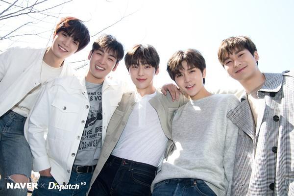 NUEST, MAMAMOO và những Idols K-Pop chưa từng bị ăn luật cấm hẹn hò-5