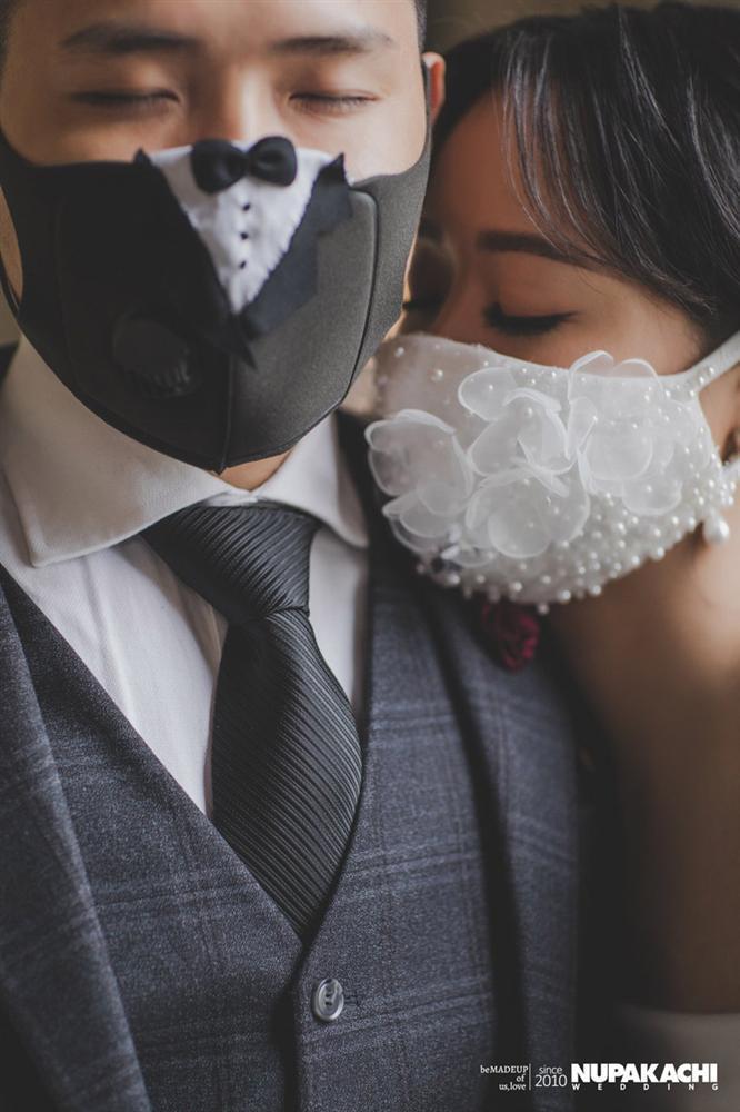 Đeo khẩu trang chụp ảnh cưới vì COVID-19, đôi uyên ương Sài thành vẫn đẹp nao lòng-4