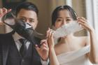 Đeo khẩu trang chụp ảnh cưới vì COVID-19, đôi uyên ương Sài thành vẫn đẹp nao lòng