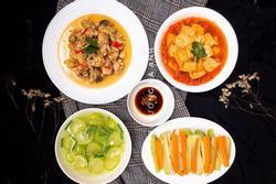 Cơm nhà 'quen mà lạ' với thực đơn 4 món, giá chưa đến 85.000 đồng
