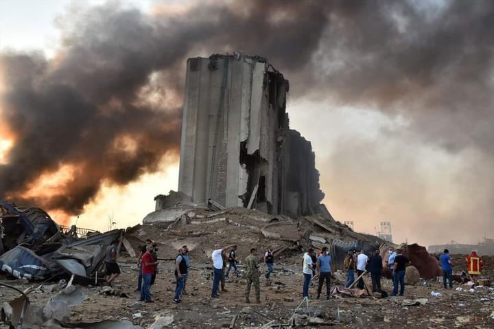 Clip quay chậm vụ nổ kinh hoàng - sự trỗi dậy làn sóng hủy diệt tại Beirut, Lebanon-4